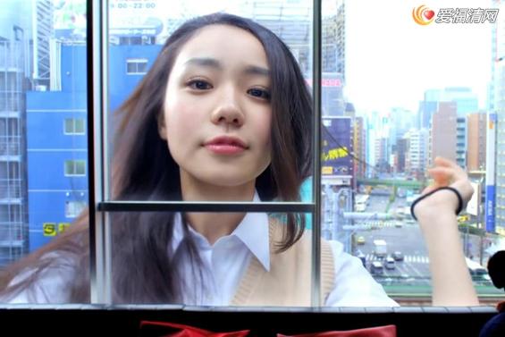 东京女巨人视频_东京女巨人走红,美少女变巨人令宅男看直了眼
